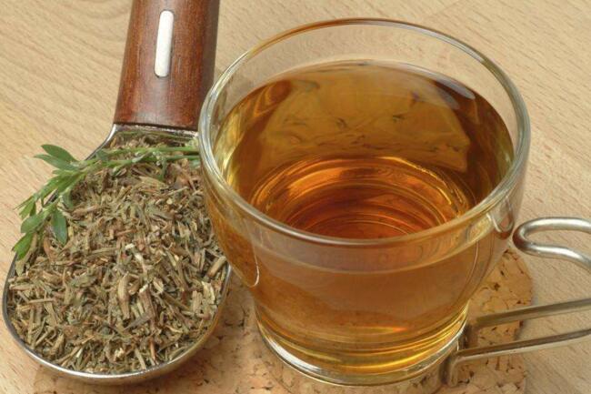 身体不舒服可以利用药草茶来保健养生