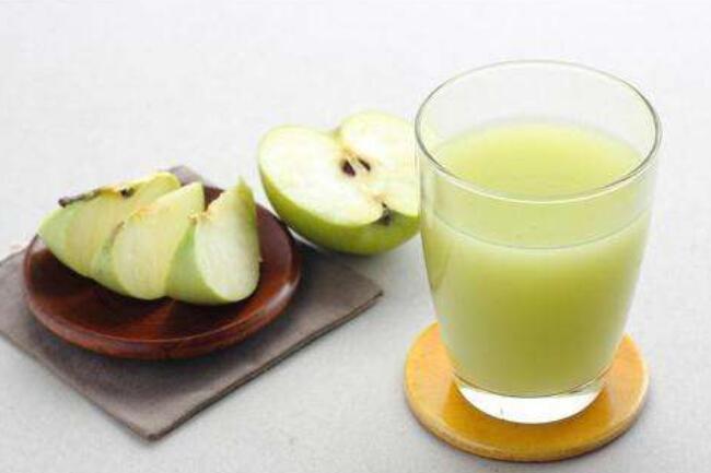 一起来做一杯茶与水果调制出的保健饮料吧