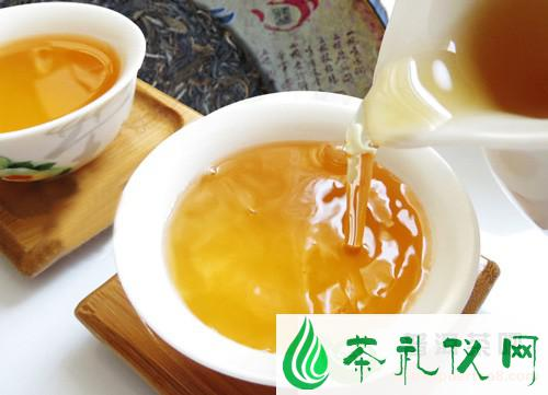 根据普洱生茶的茶汤辨析茶叶品质