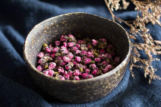 喝茶美容:常喝桃花茶讓你艷美如桃花