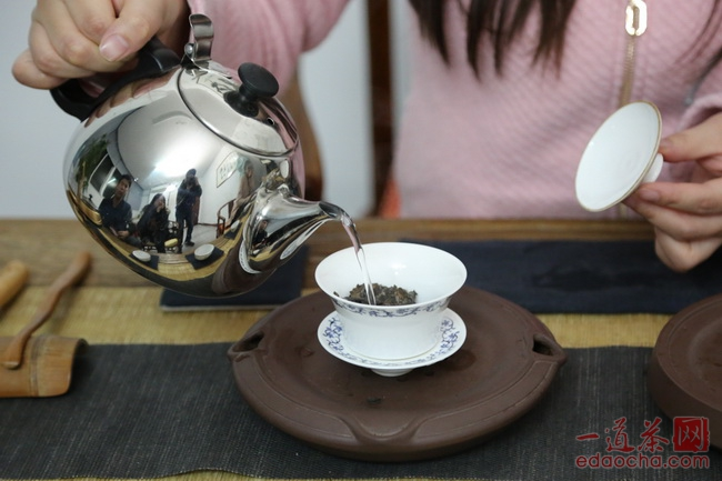 涨知识带你了解好茶不怕开水烫的原因