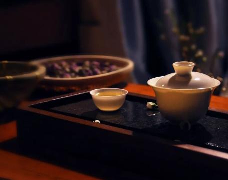 晚上喝茶这样做,照样睡的香!