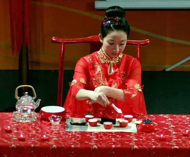 禅洱茯茶的奶茶:制作方法及待客之道