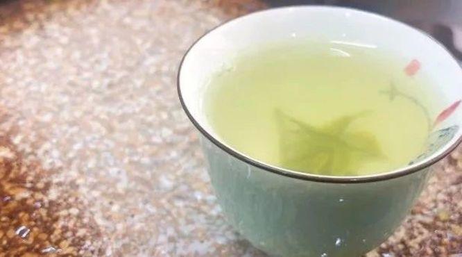 """四招识破""""香精茶"""",为喝茶安全负责"""