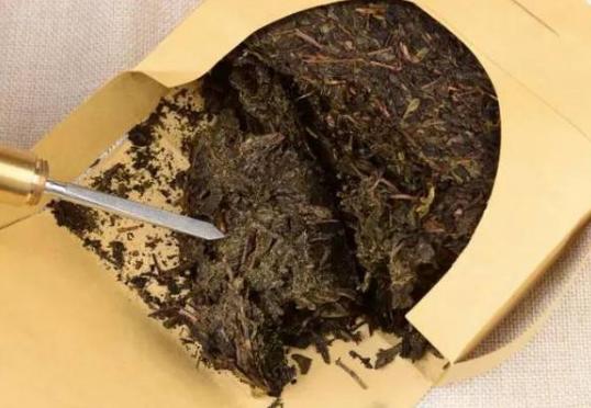 安化黑茶的功效好在哪里  高血脂患者喝安化黑茶居然治好了