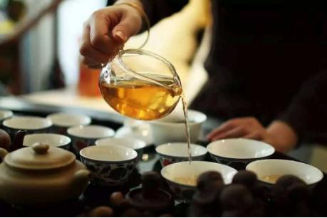 泡茶喝多少?  泡茶需要多少度的水才合适呢