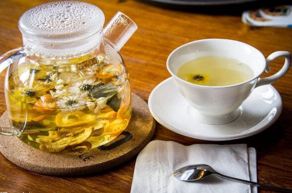 菊花茶怎么泡 4种方法泡菊花茶功效更好