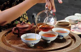 勐库戎氏普洱茶喝法
