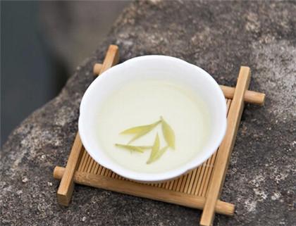 竹叶青茶名字的由来