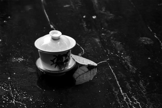 女人喝黑茶有什么功效爱美女人喝黑茶