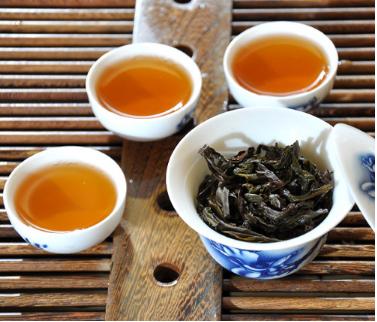 武夷岩茶是红茶吗?还是绿茶?
